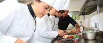Размер заработной платы повара в России в 2021 году
